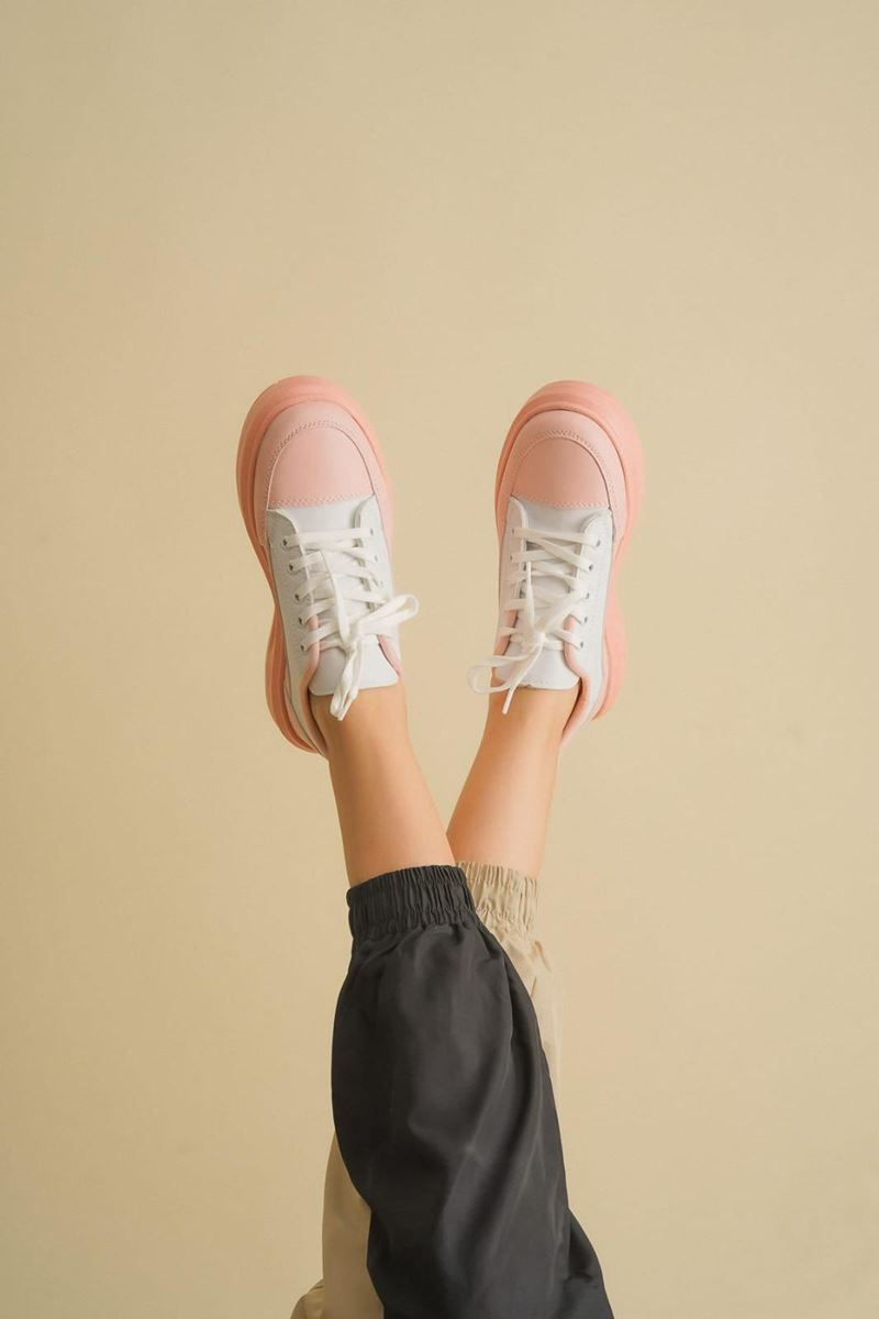 Pilla Pembe Beyaz Ayakkabı resmi