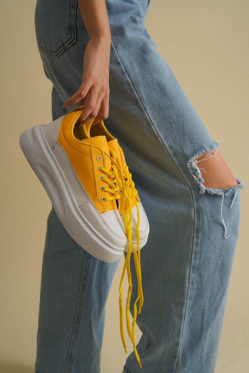 Pilla Sarı Beyaz Kadın Ayakkabı resmi