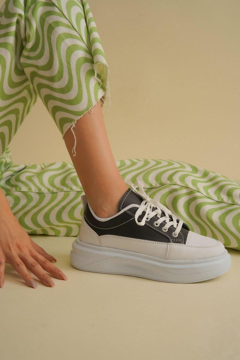 صورة Pilla Siyah Beyaz Kadın Ayakkabı