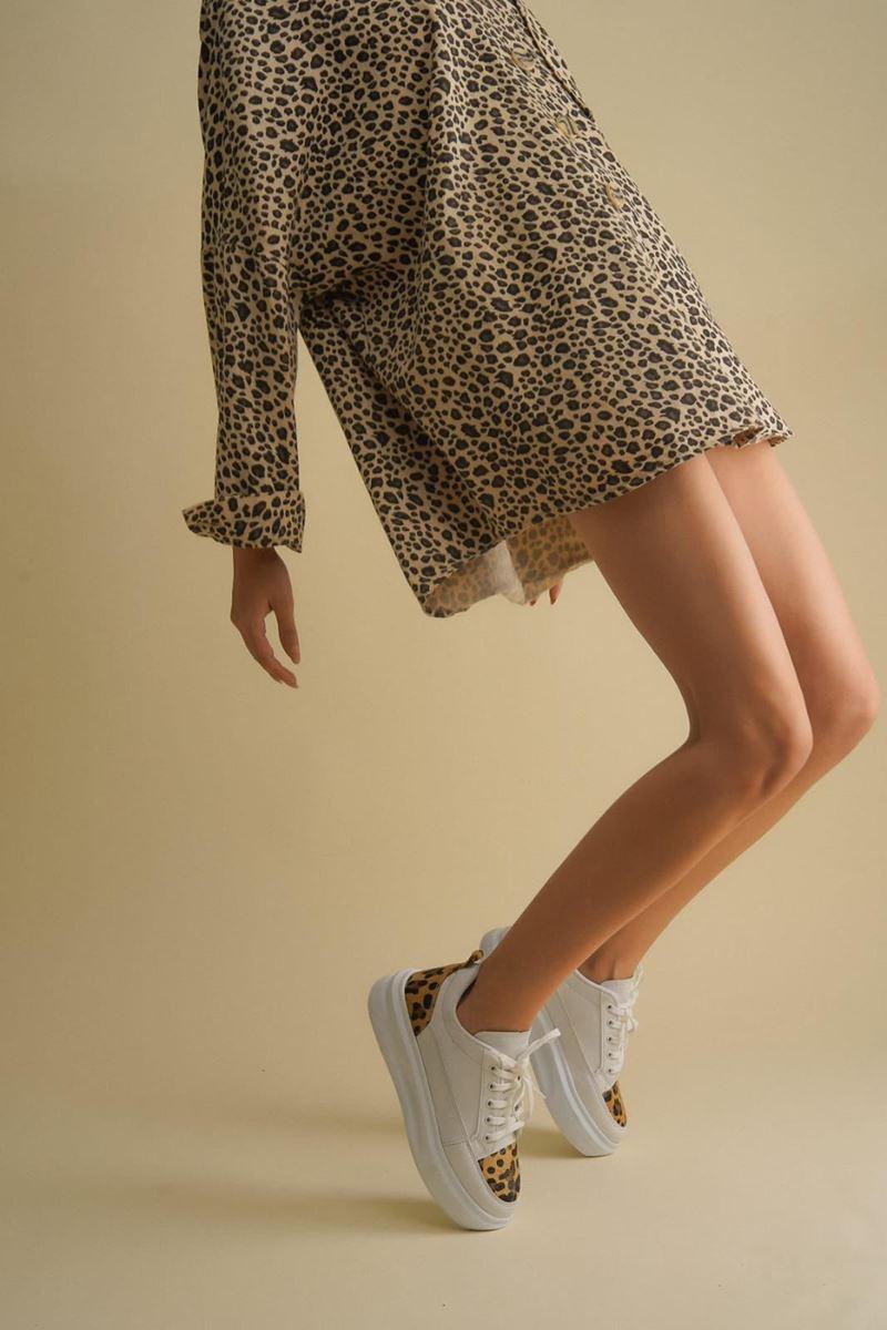 Pilla Beyaz Leopar Kadın Ayakkabı resmi