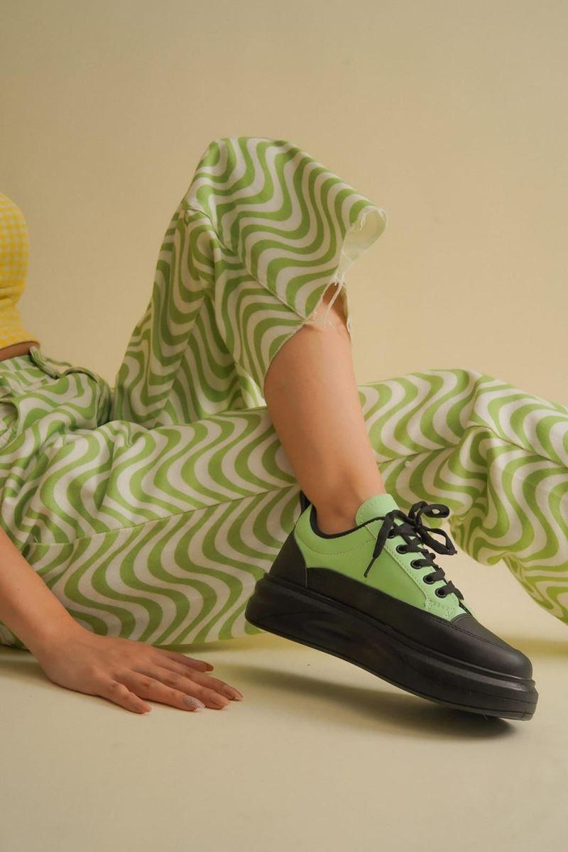 Pilla Yeşil Siyah Kadın Ayakkabı resmi