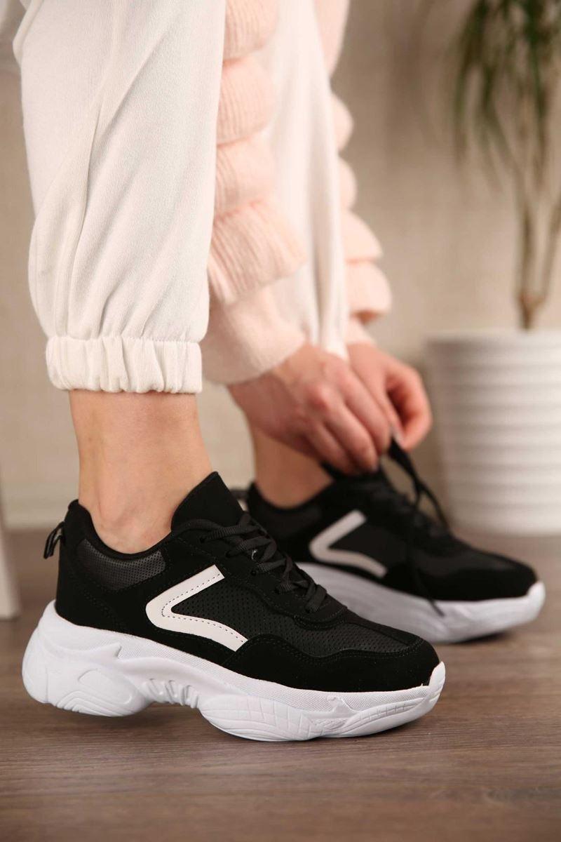 Picture of Pilla Siyah Beyaz Şerit Kadın Ayakkabı