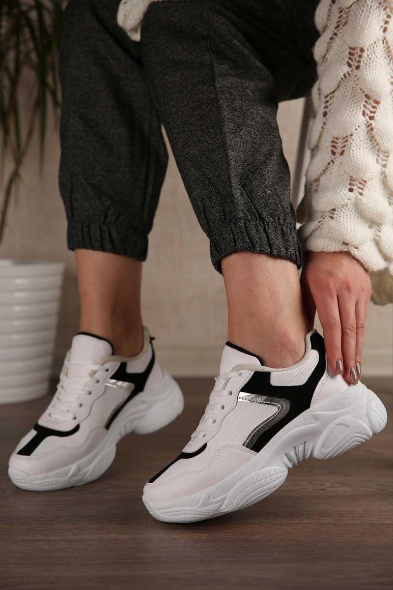 Pilla Beyaz Siyah Gri Şerit Kadın Ayakkabı resmi