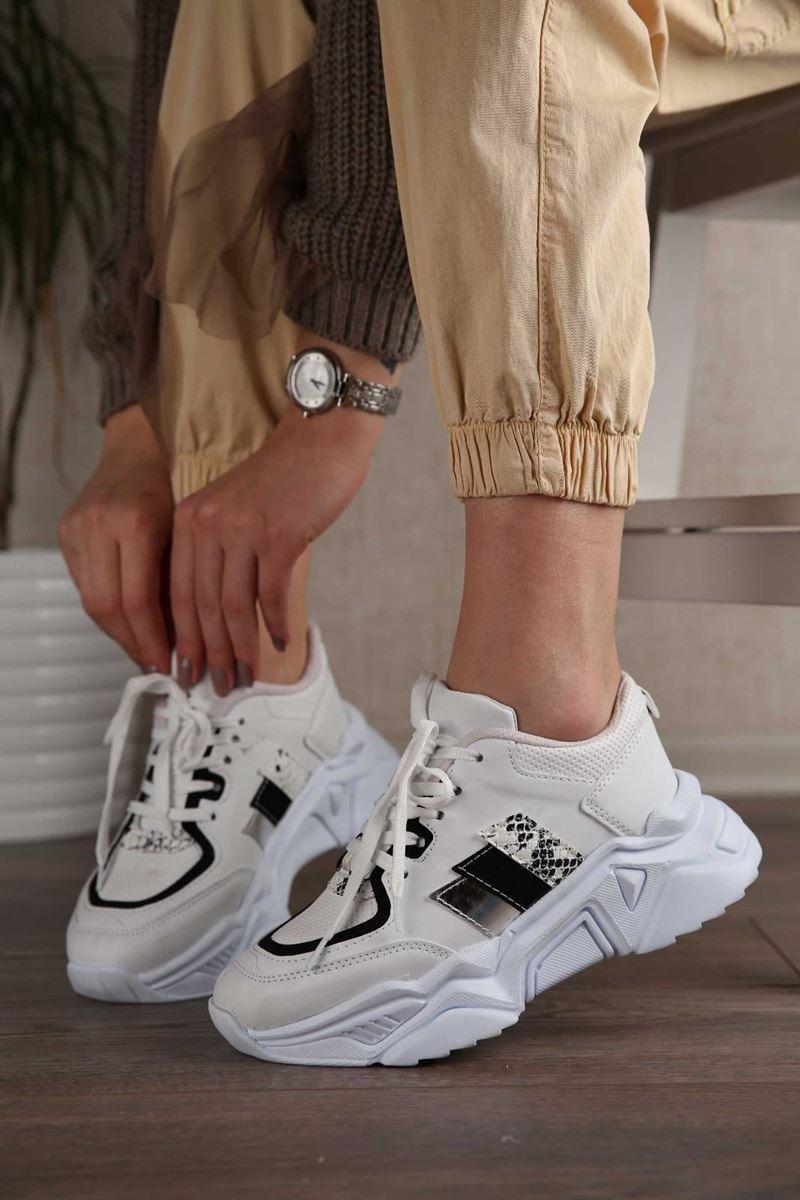 صورة Pilla Beyaz Siyah Şeritli Kadın Ayakkabı